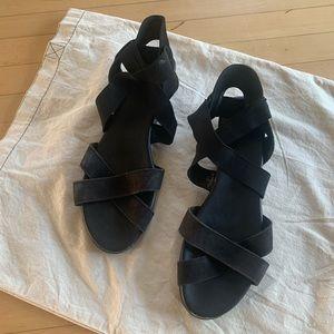 Arche sandals